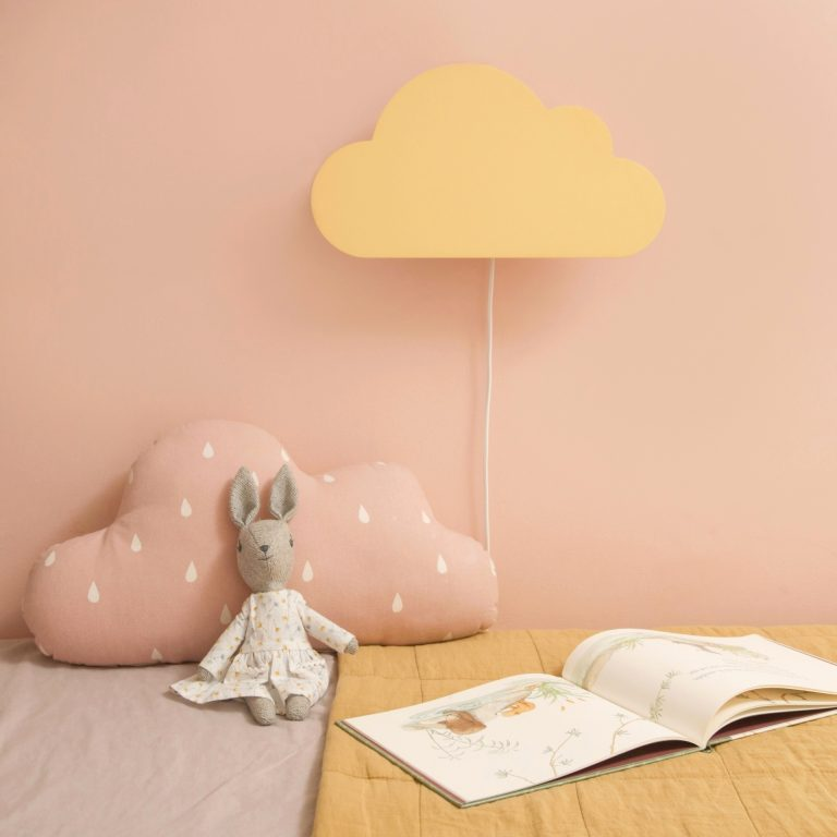 oblak-lampa-za-decu-vanila
