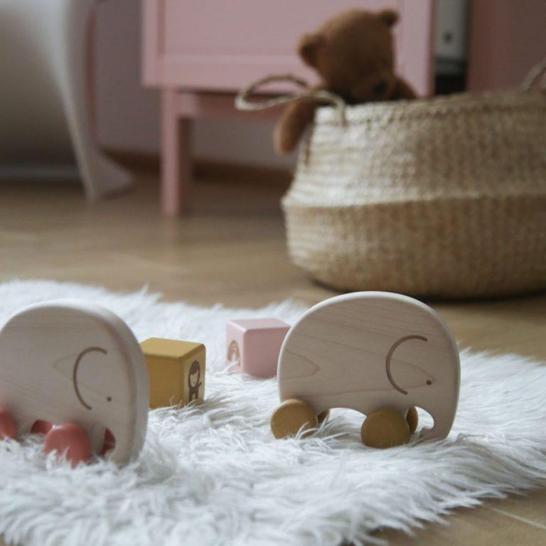 slonče-guralica-igračka